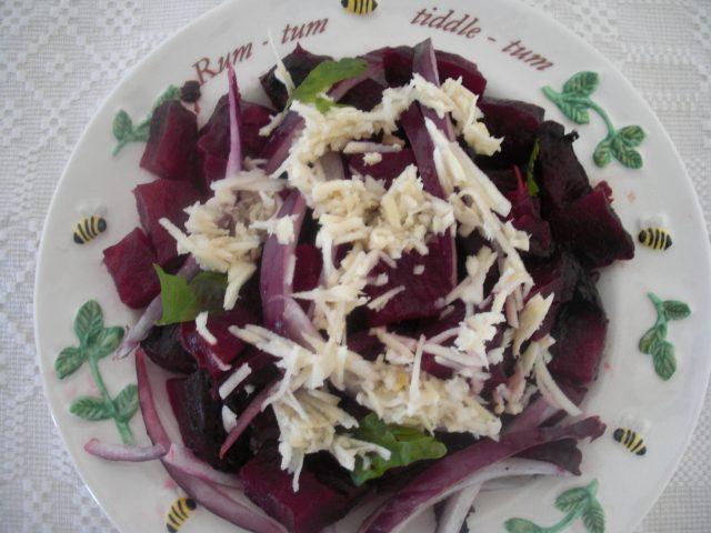 salata de sfecla cu hrean