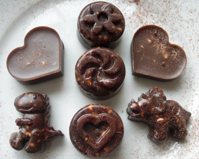 Bomboane de ciocolată cu hriscă germinată. © 2017 Cristela GEORGESCU